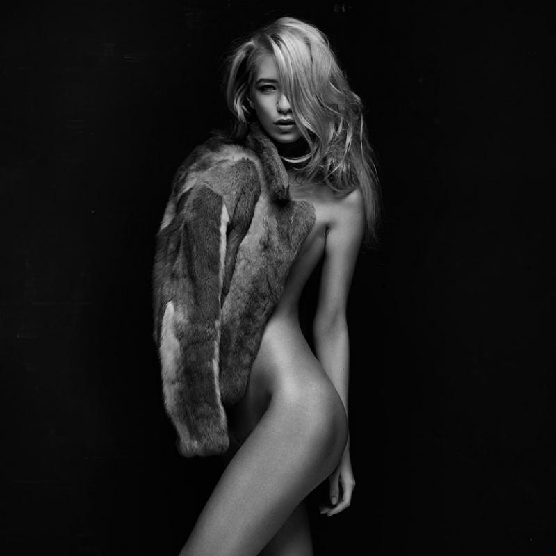 devochki-pitera-erotika-25